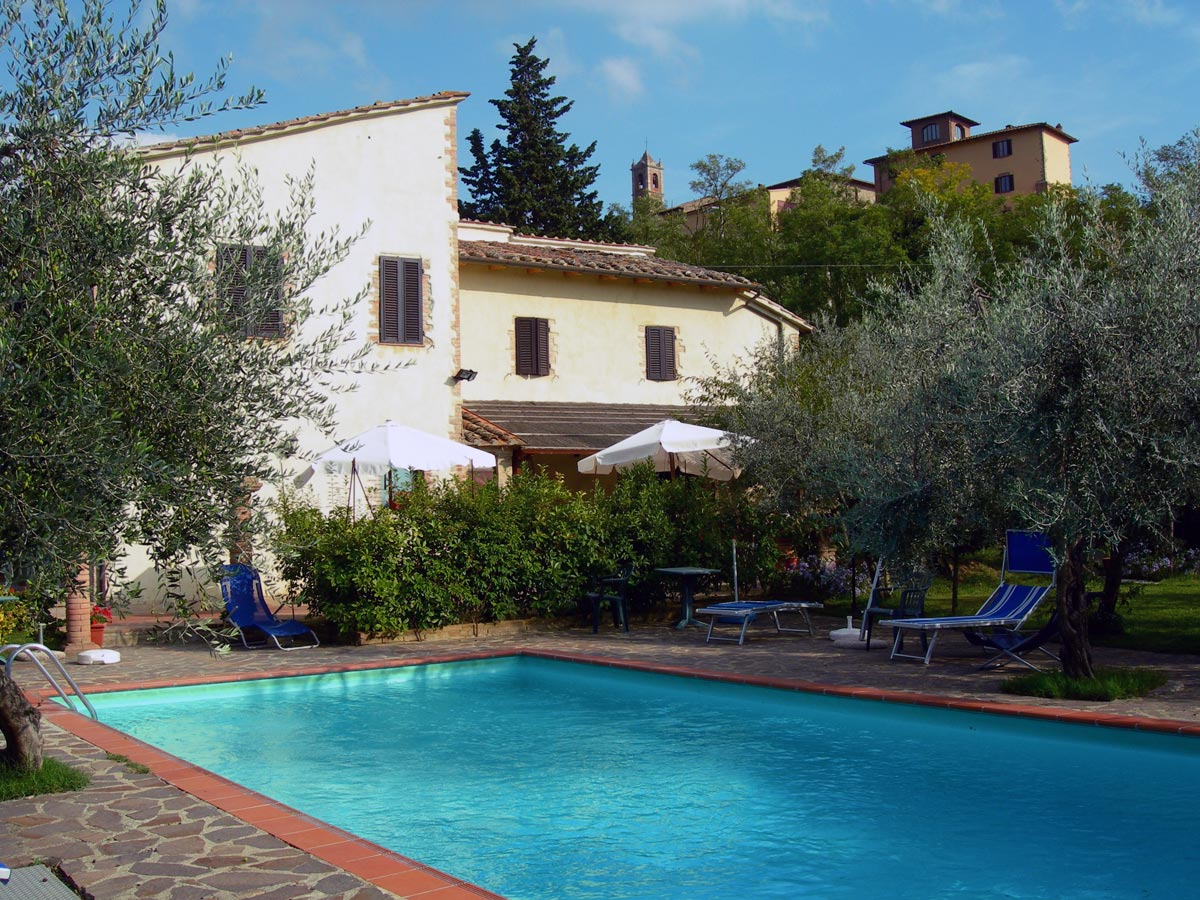 Agriturismo con piscina a san gimignano borgo montauto siena toscana italia vendemmia campagna - Agriturismo con piscina toscana ...